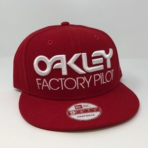 Oakley Factory Pilot SnapBack New with Tags!